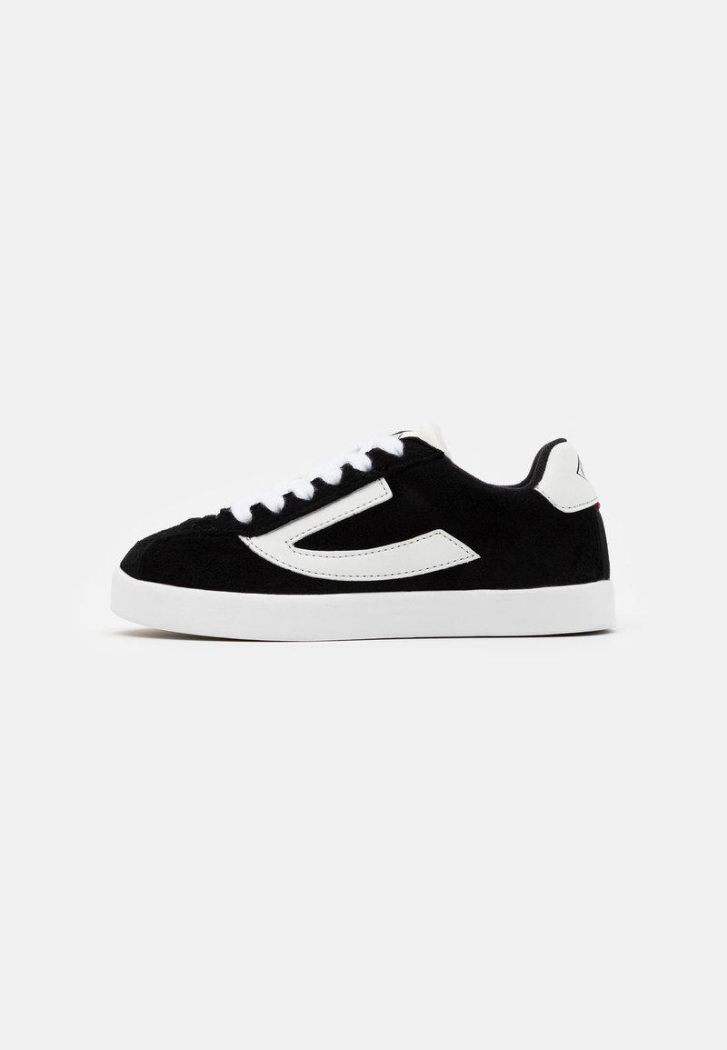 Viking - RETRO TRIM UNISEX - Sports shoes - black/eggshell