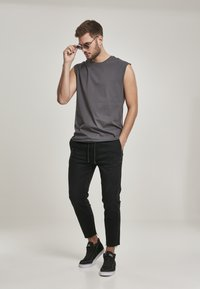 Urban Classics - Slim fit jeans - black - 1