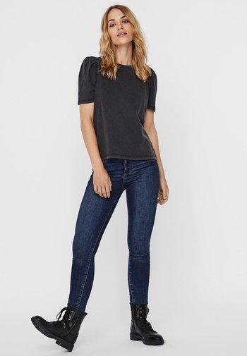 NMSHOUT - Basic T-shirt - black