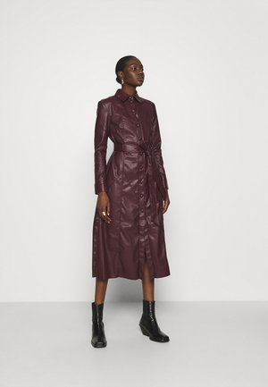 DRESS - Shirt dress - dark chocolate