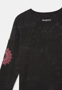 Desigual - Basic T-shirt - black - 5