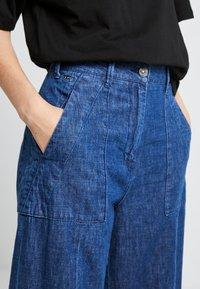 G-Star - ARMY WIDE LEG - Flared jeans - medium aged - 4