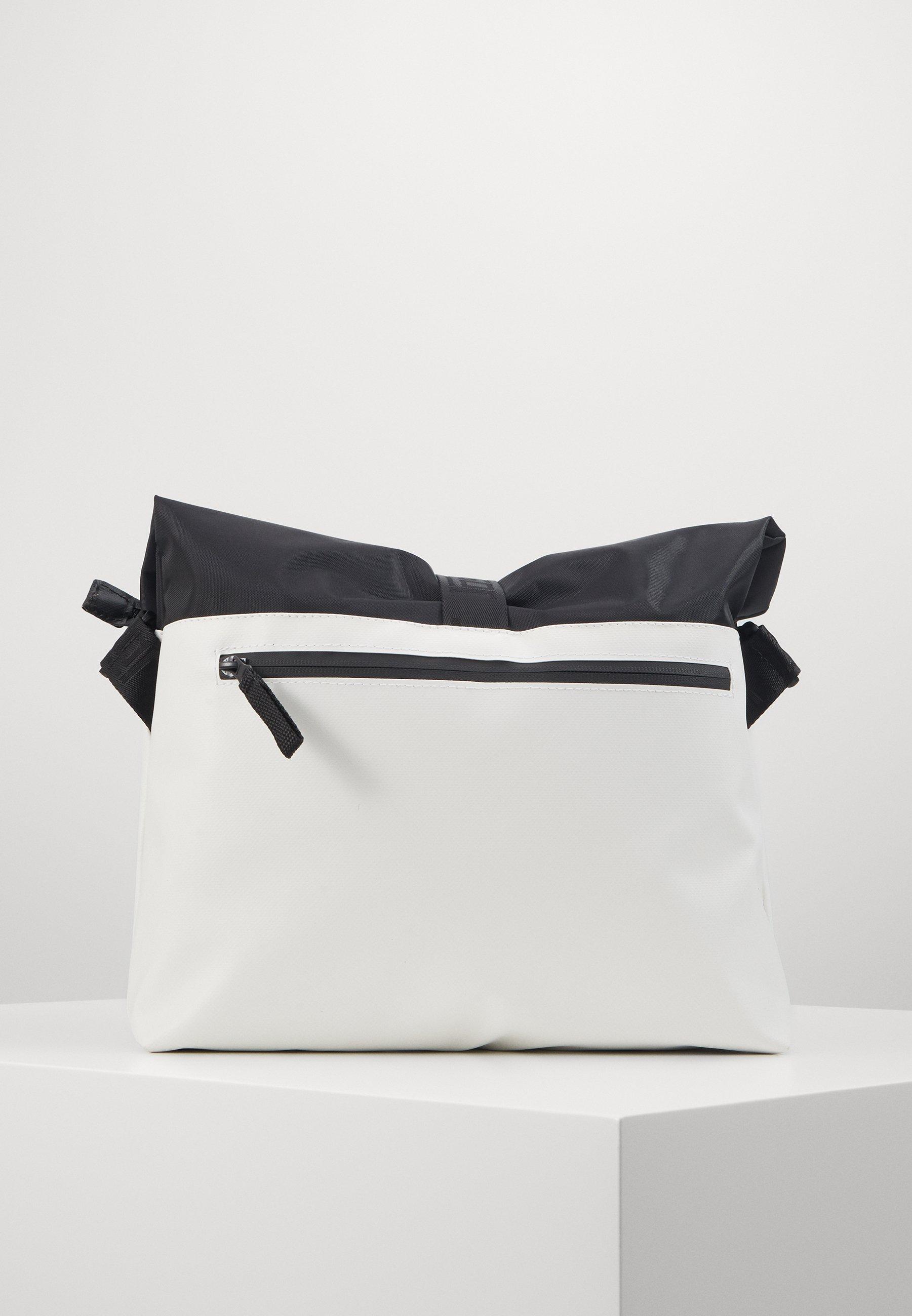 Jost TOLJA SHOULDER BAG - Skulderveske - white/hvit HD5Yr0IzBmncp8P