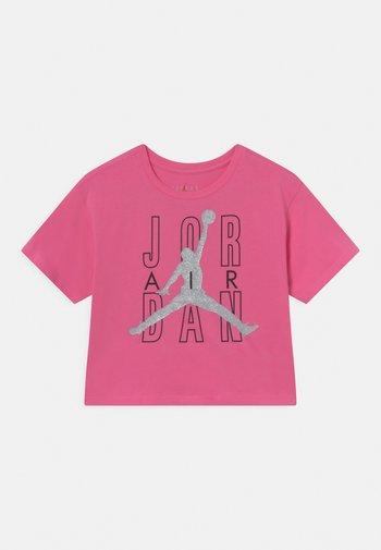 JORDAN AIR SHINE  - T-shirt con stampa - pinksicle