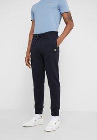 PS Paul Smith - PANTS - Teplákové kalhoty - navy - 0