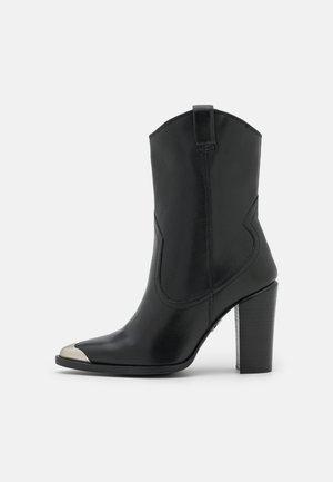 NEW AMERICANA - High Heel Stiefelette - black