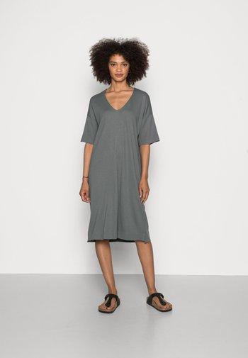 DRESS SHORT SLEEVE V-NECK - Jersey dress - olive garden