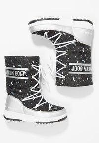 Moon Boot - UNIVERSE - Snowboot/Winterstiefel - silver/black - 0