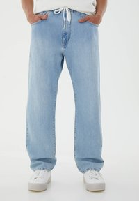 PULL&BEAR - Relaxed fit jeans - light blue - 0