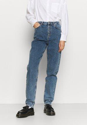 BUTTON CLOSURE STRAIGHT TALL - Straight leg jeans - mid blue
