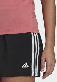 adidas Performance - ESSENTIALS SLIM 3-STRIPES T-SHIRT - Printtipaita - pink - 4