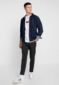 Minimum - UGGE - Trousers - dark grey - 1