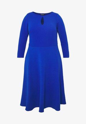 KEYHOLE SWING DRESS - Jerseykjole - blue
