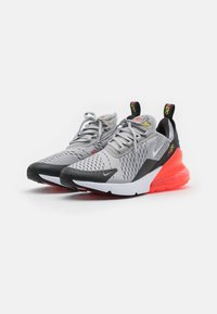 Nike Sportswear - NIKE AIR MAX 270 - Sneakers laag - light smoke grey/white/dark smoke grey - 1