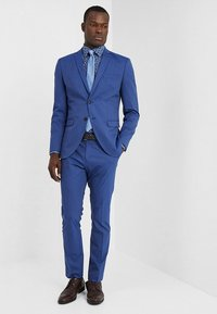 Selected Homme - SLHSLIM MYLOLOGAN SUIT - Oblek - insignia blue - 1