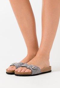 Tamaris - SLIDES - Slippers - grey - 0