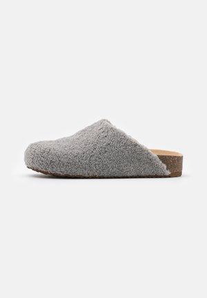 VESA - Pantuflas - grey