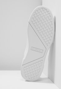 Diesel - S-CLEVER LOW - Trainers - white - 4