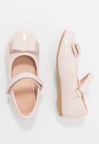 Friboo - Ballerina's met enkelbandjes - nude - 0