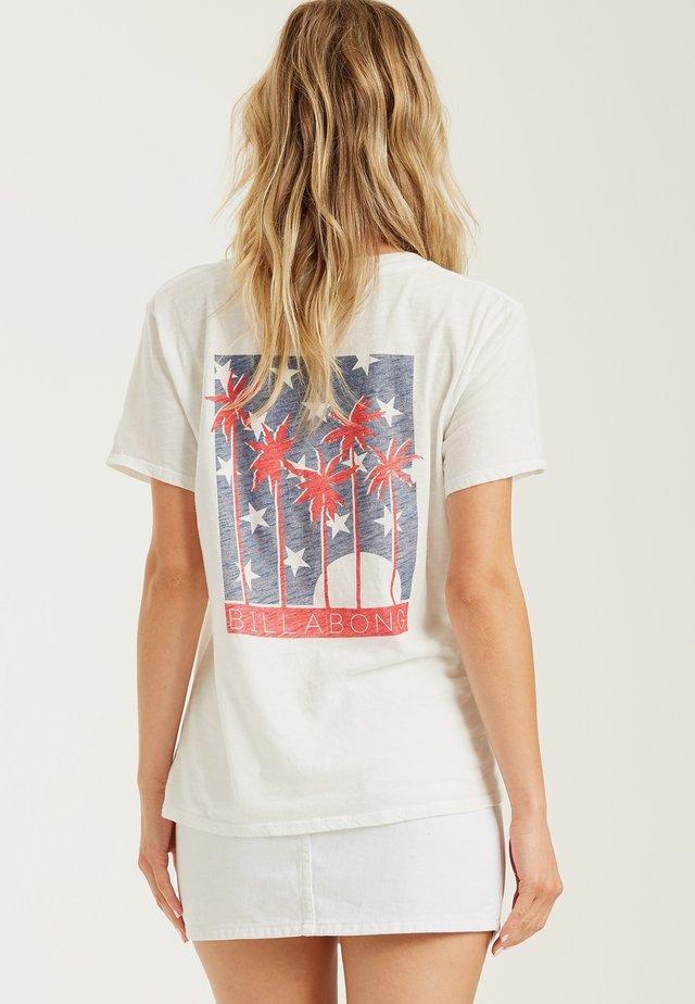 STARS AND PALMS - Print T-shirt - salt crystal