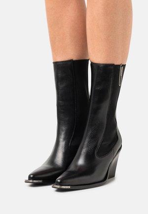 NEW KOLE - Cowboy/biker ankle boot - black