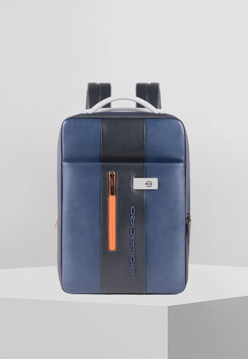 Piquadro - PIQUADRO URBAN RUCKSACK LEDER 43 CM LAPTOPFACH - Rucksack - blue-grey