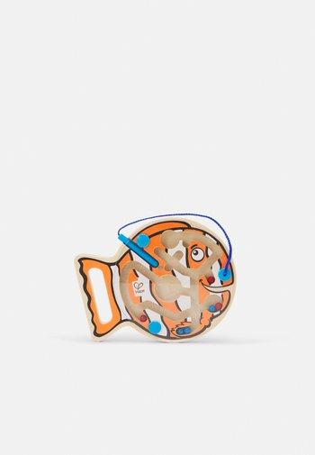 DICKER FISCH UNISEX - Wooden toy - multicolor