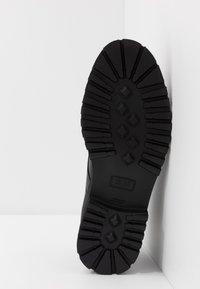 HUGO - ADVENTURER - Šněrovací boty - black - 4