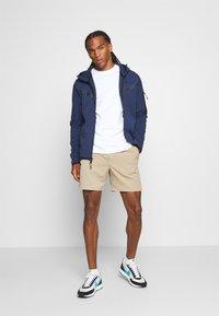 Nike Sportswear - TEE - Långärmad tröja - white - 1