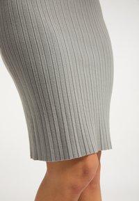 usha - Spódnica ołówkowa  - grau - 3