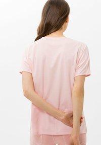 BRAX - STYLE CAELEN - Print T-shirt - rose - 2