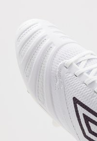 Umbro - UX ACCURO III PRO FG - Moulded stud football boots - white/plum - 5