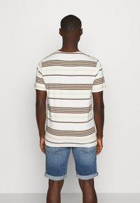Levi's® - ORIGINAL TEE - T-shirt basic - bright tofu - 2