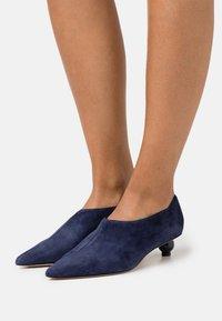 WEEKEND MaxMara - CARNIA - Ankle boots - nachtblau - 0