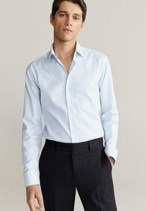 EMPORDA - Formal shirt - himmelblau