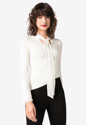 MIT SEIDENSCHLUPPE - Long sleeved top - off-white
