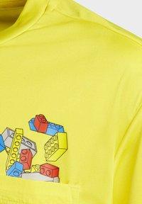 adidas Performance - T-shirt imprimé - yellow - 2