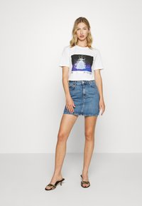 Pieces - PCDISLA  - Print T-shirt - white - 1