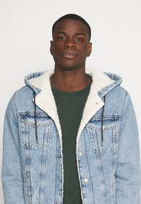 Jack & Jones - JJIJEAN JJJACKET HOOD - Chaqueta vaquera - blue denim - 3