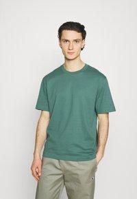 ARKET - T-shirt basique - green - 0