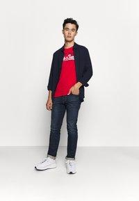 Jack & Jones - JJELOGO TEE - T-shirt imprimé - tango red - 1