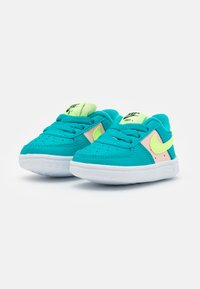 Nike Sportswear - FORCE 1 CRIB - Baby shoes - oracle aqua/ghost green/washed coral/white - 1