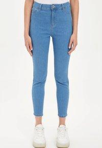 DeFacto - Slim fit jeans - blue - 0
