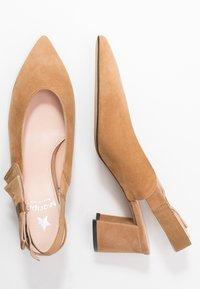 Maripé - Classic heels - cognac - 3