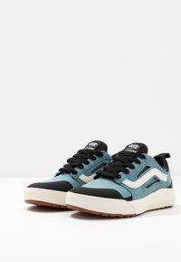 Vans - ULTRARANGE - Sneakers - smoke blue/black - 2