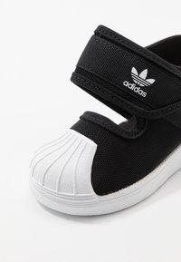adidas Originals - SUPERSTAR 360 - Chaussures premiers pas - core black/footwear white - 2