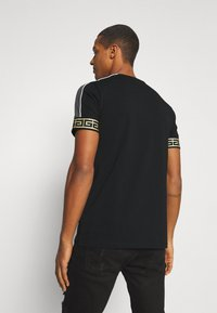 Glorious Gangsta - BOTTAGOT - T-shirt con stampa - black - 2