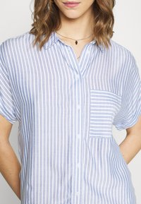 New Look - Button-down blouse - blue pattern - 5