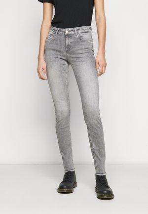 ONLBLUSH LIFE - Jeans Skinny Fit - grey denim