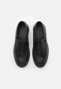 Selected Homme - SLHTIM PENNY LOAFER CLEAN - Scarpe senza lacci - black - 3